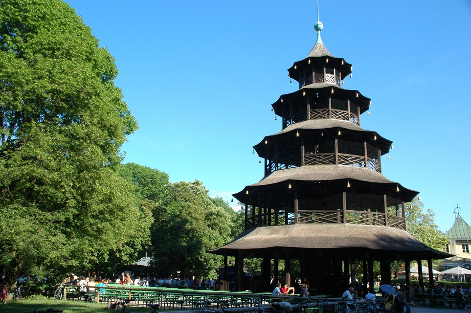 MUC Munich - beer garden with Chinese Tower and blossoming chestnut trees in the middle of the English Garden 01 3008x2000