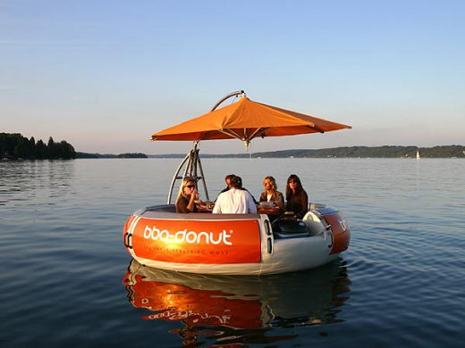 Party grill boat