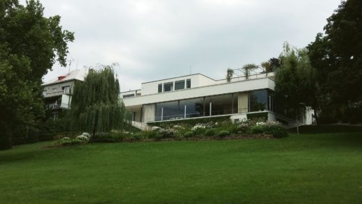 front of villa Tugendhat