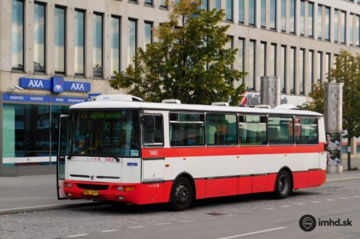 Bus 77 Slatina-Slatinka at the bus stop Úzká.