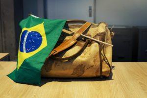Příjem žádostí do programů ekonomické migrace byl pozastaven například v Brazílii.